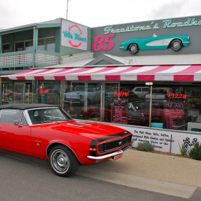 Freestone's Roadhaven 60's Diner - Aireys Inlet, Vic, Australia